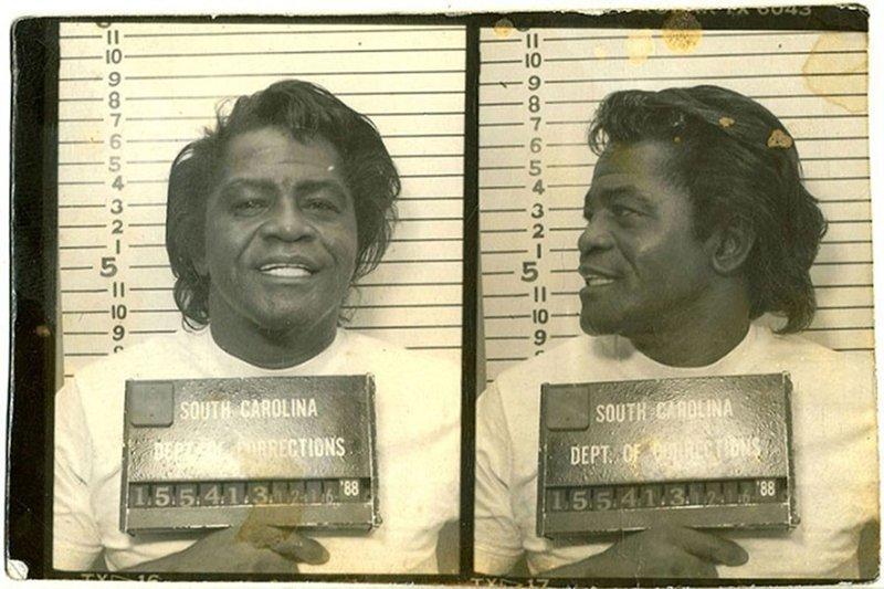 Джеймс Браун. 1988 год. Незаконное хранение оружия. арест, звезды, полиция, правонарушение