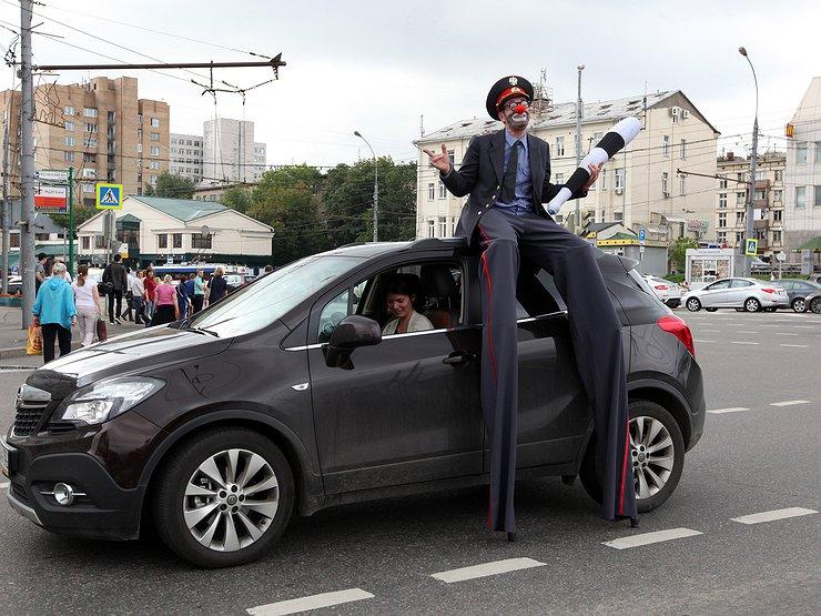 Штраф за «тонировку» и «ксенон» поднимут до 20 000 рублей