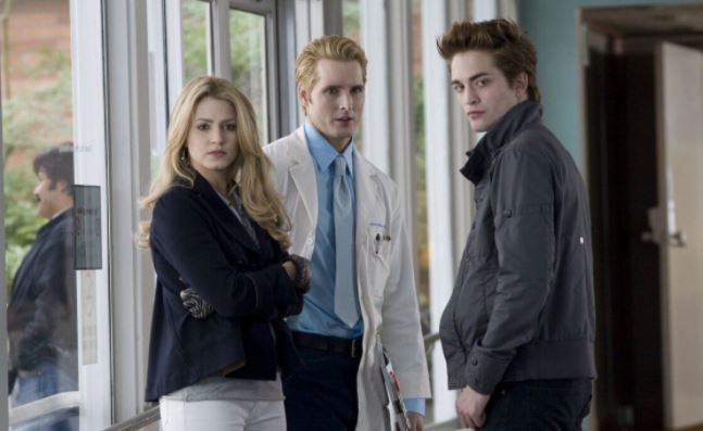 Стефани Майер планирует написать еще две книги о вампирах из «Сумерек»