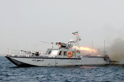 Иран провел стрельбы рядом с…