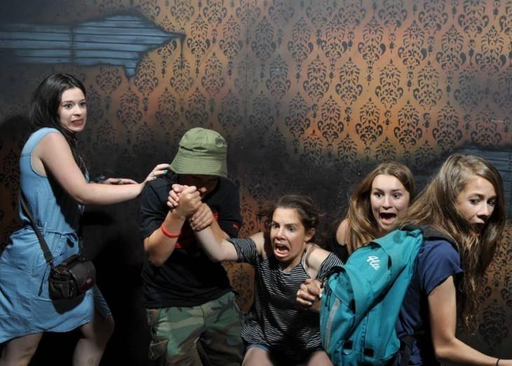 20 фотографий, снятых на скрытую камеру в комнате страха картинки