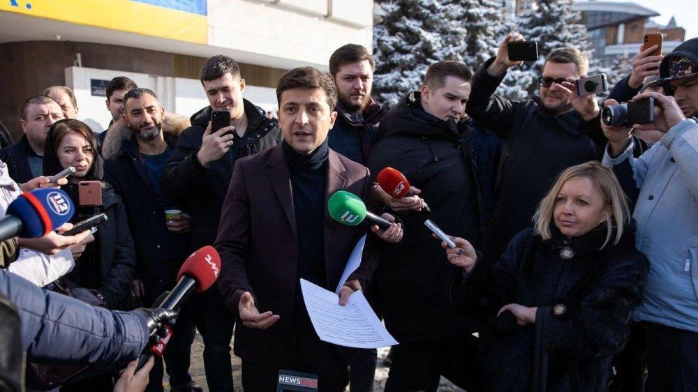 «Не имеет «морального права»: в Киеве призвали не пускать Зеленского в президенты