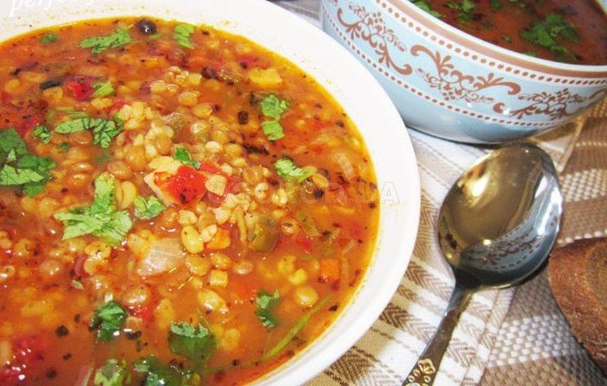 Турецкий чечевичный суп на курином бульоне