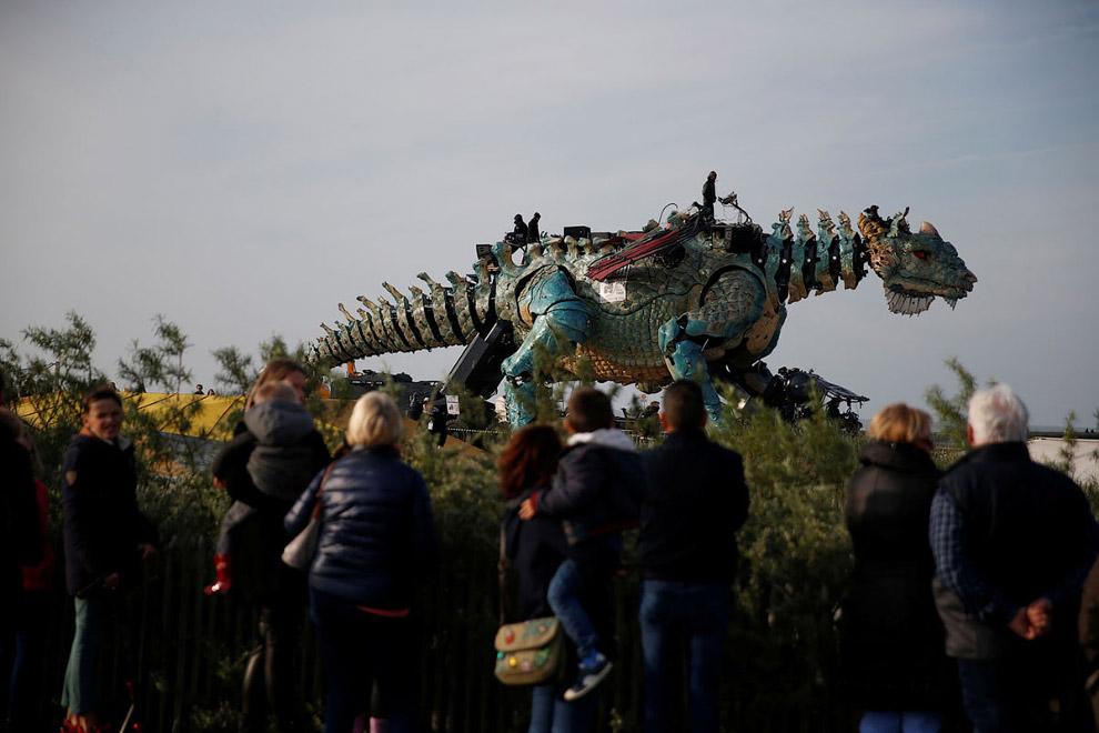 Театр La Machine, или дракон во Франции