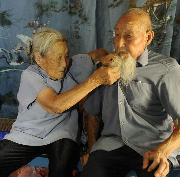 После 80 лет совместной жизни супружеская пара наконец-то сделала свадебную фотосессию