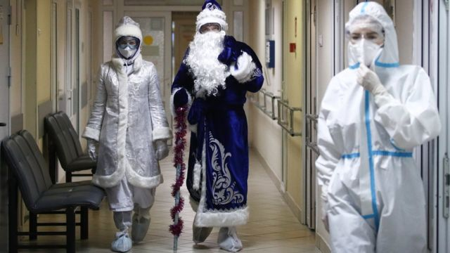 Как менялись наши представления о коронавирусе за год пандемии