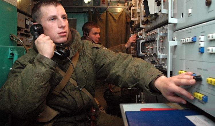 Защищен на 100% - российских военных оснастили телефонами за 115 000 рублей