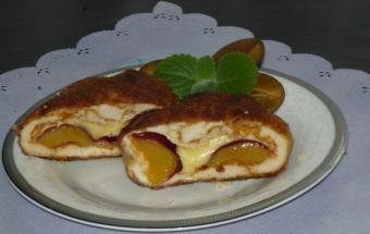Куриное филе со сливами и сыром