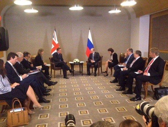 Язык тела российской и британской делегации на саммите G20 показал «кто в доме хозяин»