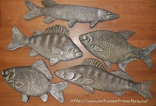Ещё несколько деревянных резных рыбок
