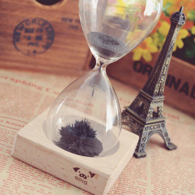 Магнитные часы с металлической стружкой гаджет, дизайн, креатив