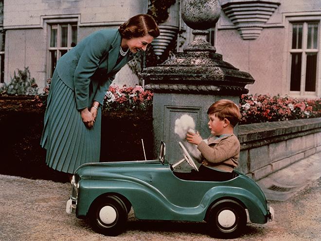 Редкие кадры британской королевской семьи
