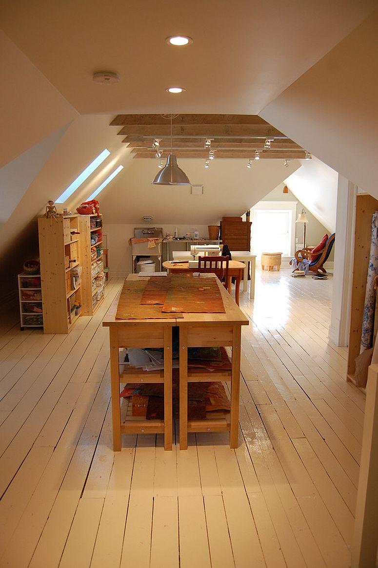 Организация рабочего места дома с деревянной мебелью