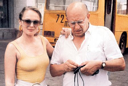 Вдова знаменитого актера Евгения Евстигнеева актриса Цывина страдает алкоголизмом
