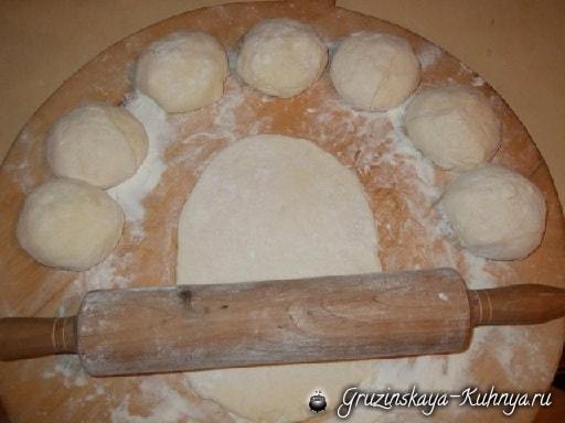 Дрожжевые пирожки с грибами по-грузински (13)