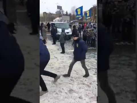 Как на Украине не пускали россиян голосовать