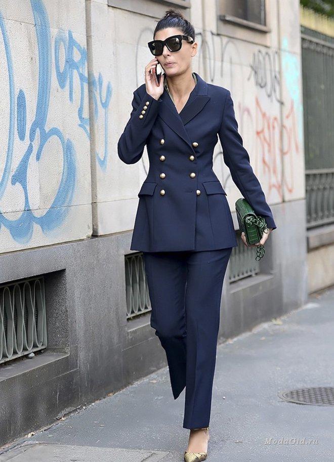 темно синий костюм женский с чем носить фото представителем