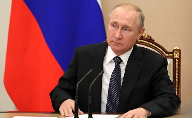 """Когда надо - Путин коммунист, когда надо — националист, когда надо — вдруг либерал"""