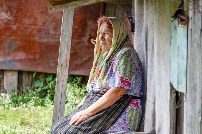 В жизни этой женщины уже не было счастья. Овдовела она в 68 лет и уже не видела смысла жить, но ей пришла идея…