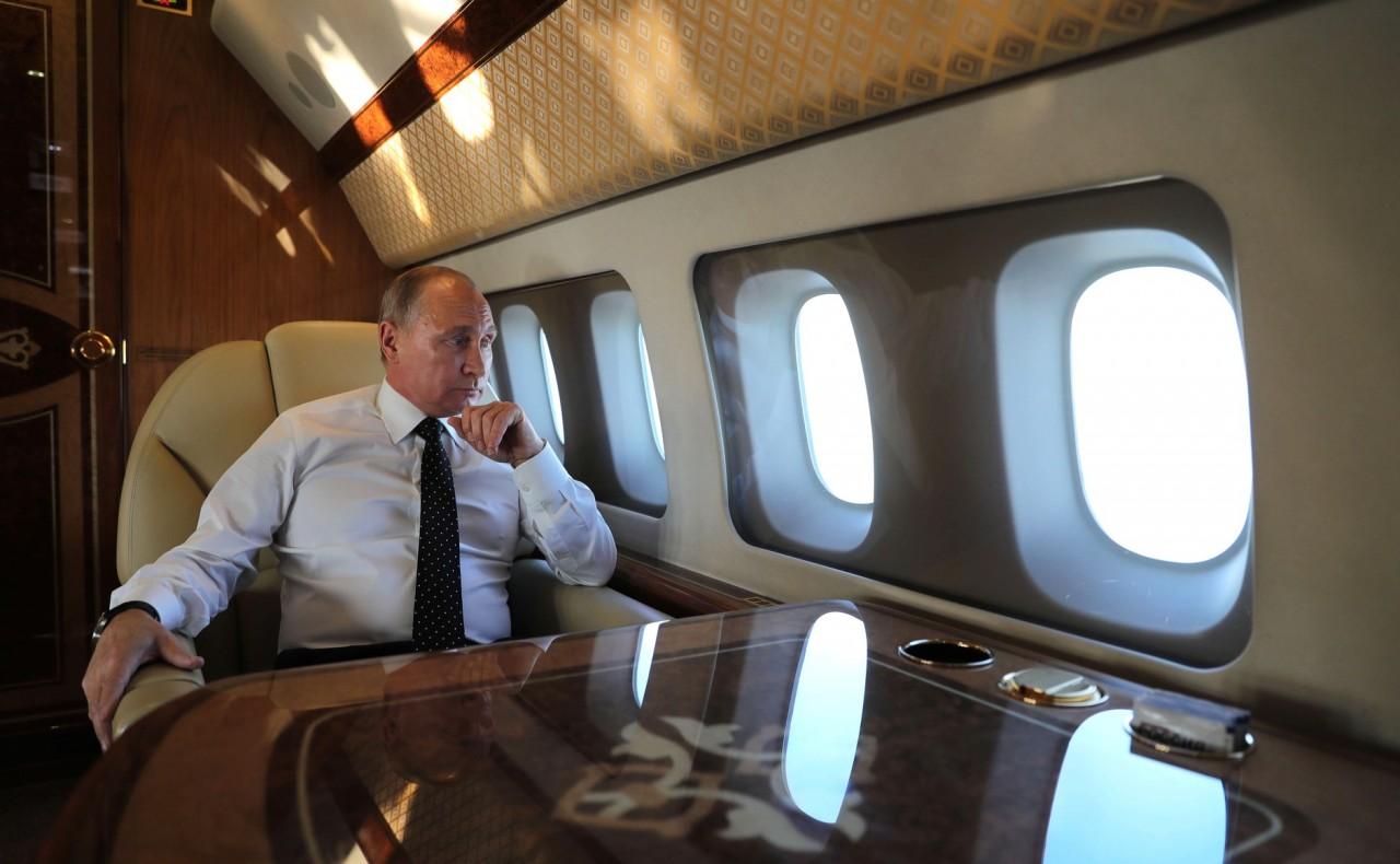 Чем занят Путин во время дол…