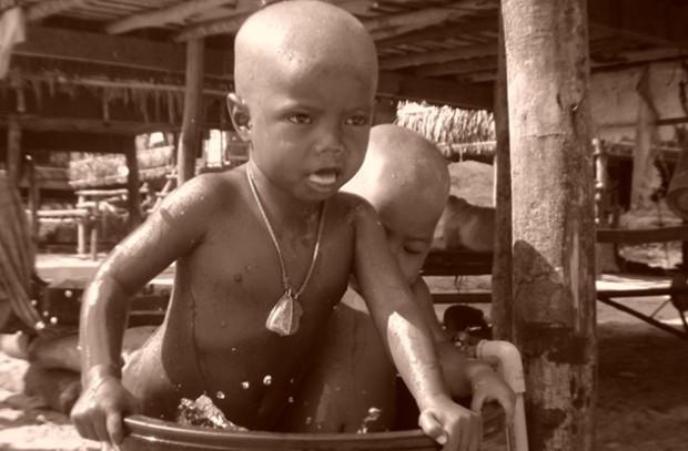 Дети племени мокен