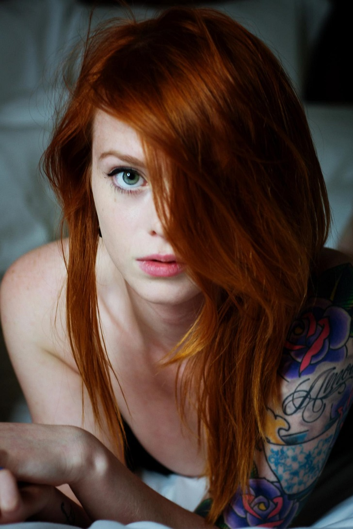 redhead-motivational-public-nudity-pics-in-germany