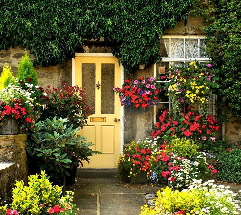 Двери в цветах