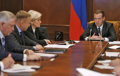 Медведев: программа строительства школ потребует 3 триллиона рублей