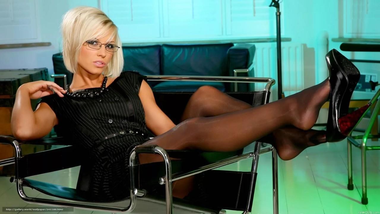 Смотреть трахает женщину босса, Босс. Секс с боссом. Самых популярных роликов 26 фотография