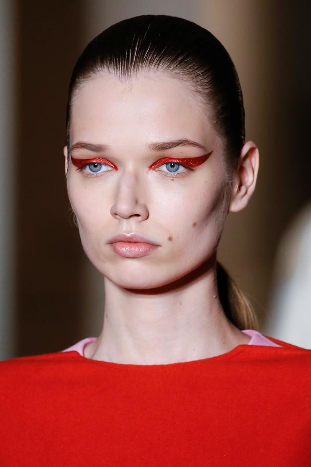 Неделя высокой моды в Париже, осень-зима 2018: тенденции в макияже (фото 5)