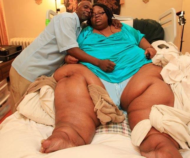 она жирный женщины с членами встал, вытер лицо