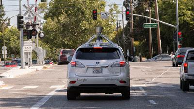 Google продолжает развивать систему автономного управления автомобилем