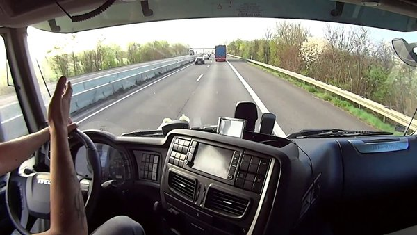 Украинский дальнобойщик рассказал, как меняется отношение украинцев к России