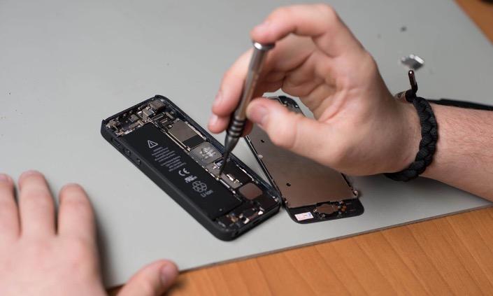 Почему Apple с каждым разом усложняет ремонт iPhone