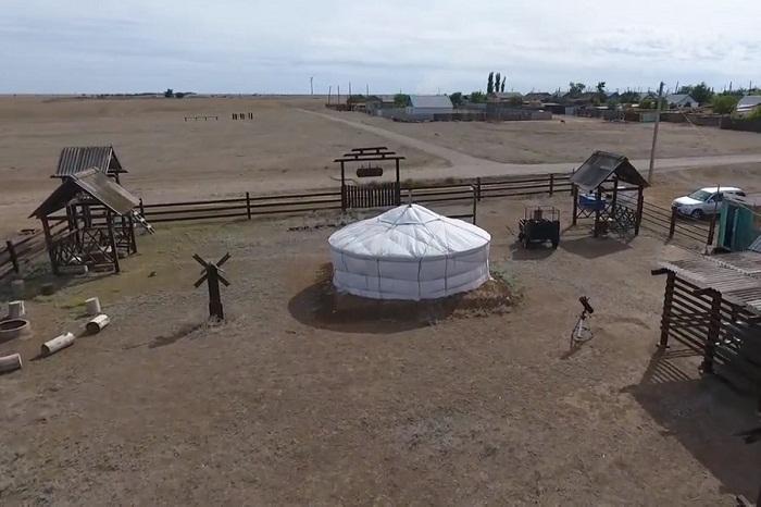 На территории комплекса создано 4 юрты, площадь которых составляет 80 кв. метров. | Фото: kalmykiatour.com.
