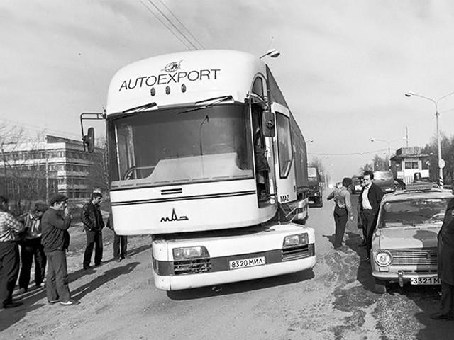 """Легендарный МАЗ """"Перестройка"""". К сожалению в серию он не пошел из-за развала СССР, но стал прототипом французского седельного тягача РЕНО """"МАГНУМ"""". авто, автобус, беларусь, грузовик, маз, факты"""