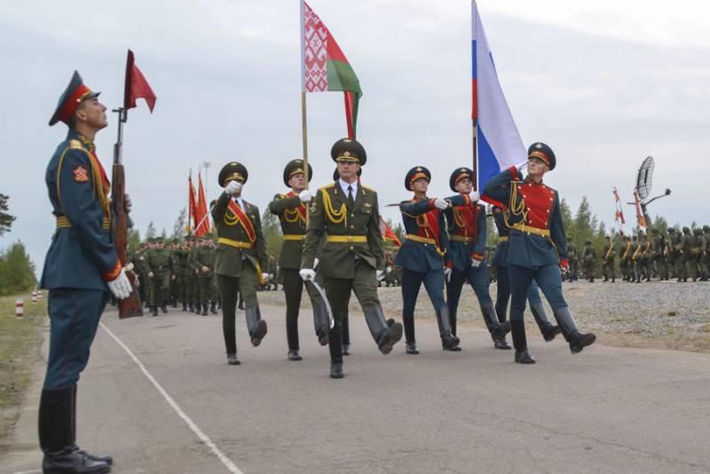 Украинские СМИ взволнованы «переброской российских танков» в Белоруссию новости,события, политика