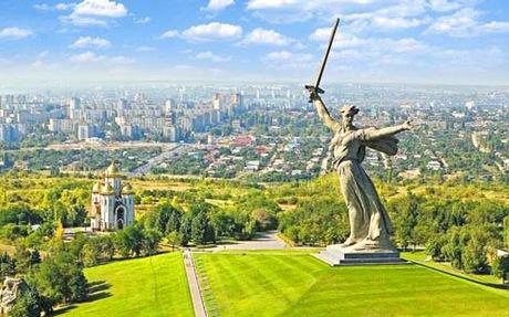 Волгоград тепло принял англичан, но расслабляться нельзя - вокруг одни русские