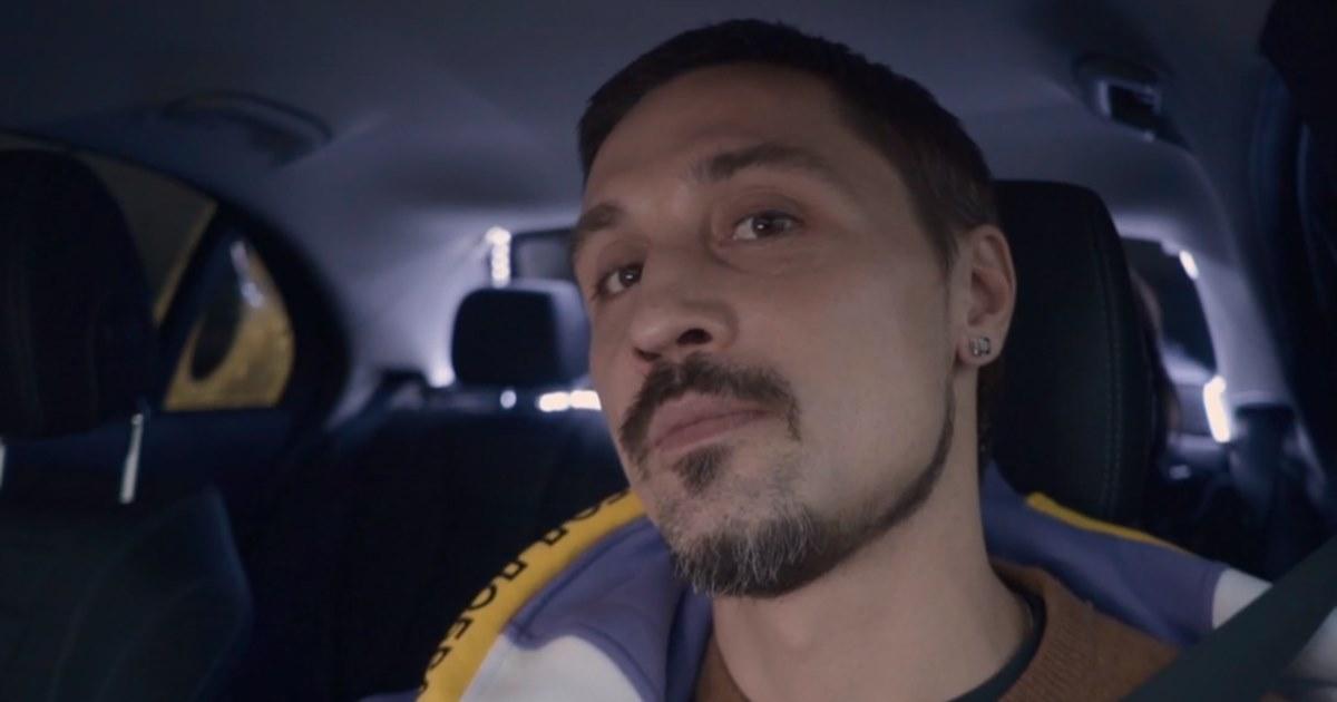 Билан и Маликов весь день катали москвичей на такси