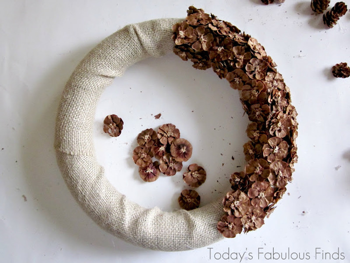 How to make a pine cone flower wreath_5951 (700x525, 125Kb)