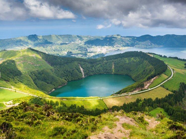 10. Португалия: «Золотая виза» от €350 000 Стоимость, вид на жительство, внж, деньги, паспорт, страна, факты, цена