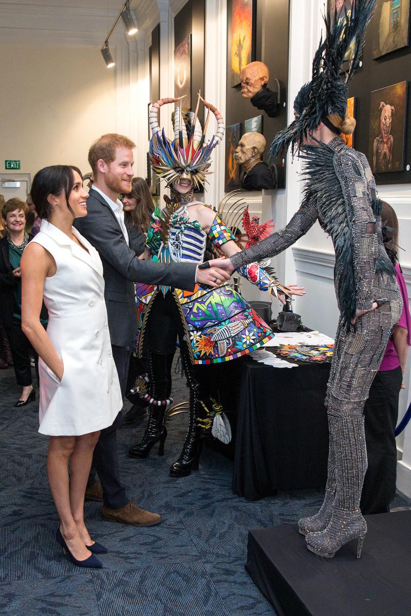 Эксперт по языку тела объяснил, почему Меган Маркл так любит наряды с карманами