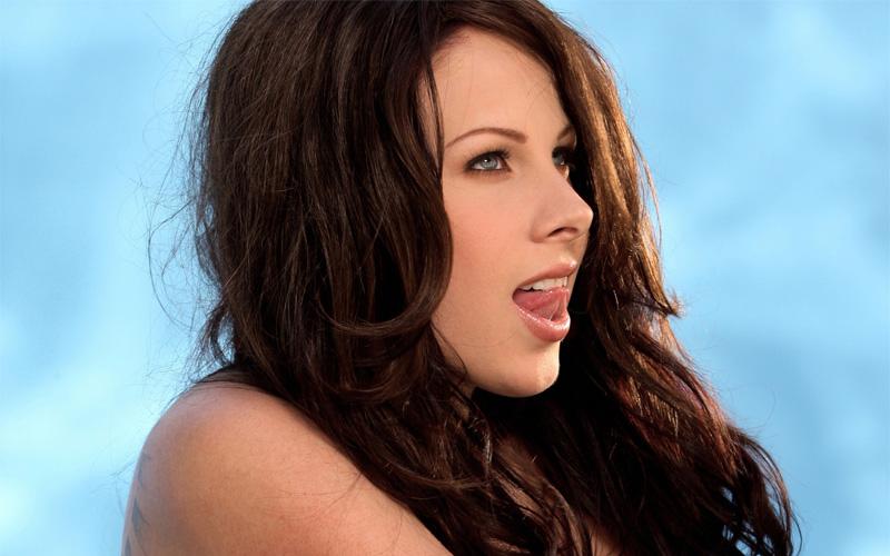 Сколько зарабатывают актеры порнoфильмов на самом деле?