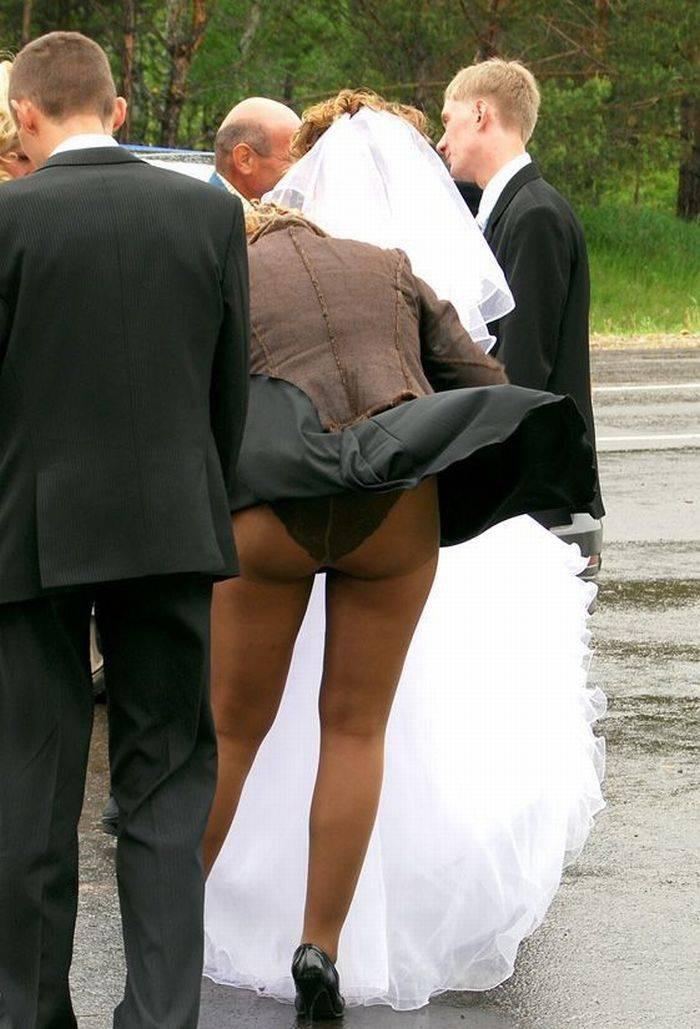 Был на свадьбе и сфоткал под юбкой — photo 12
