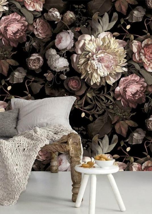 Модный интерьер: цветы на обоях