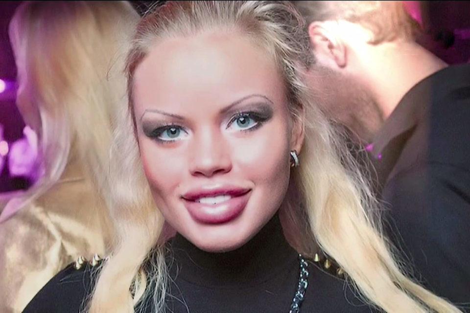 tupaya-russkaya-blondinka