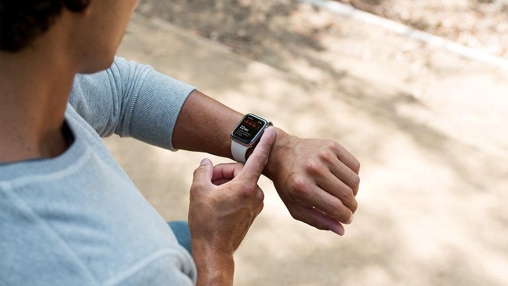Функция ЭКГ в Apple Watch впервые помогла спасти жизнь
