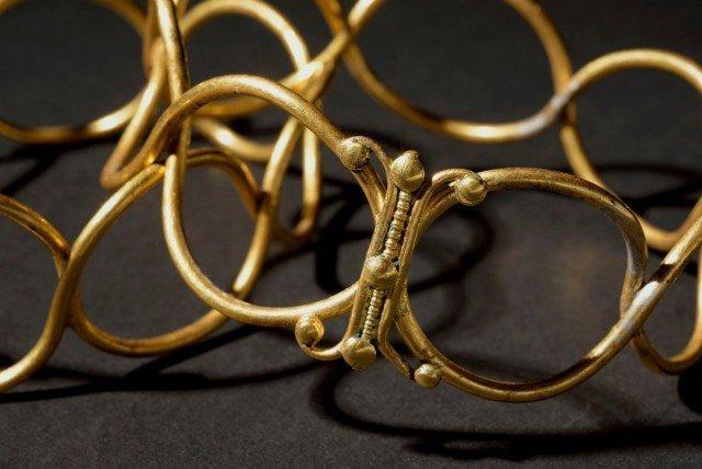Один из браслетов Клады, археология, интересно, история, сокровища