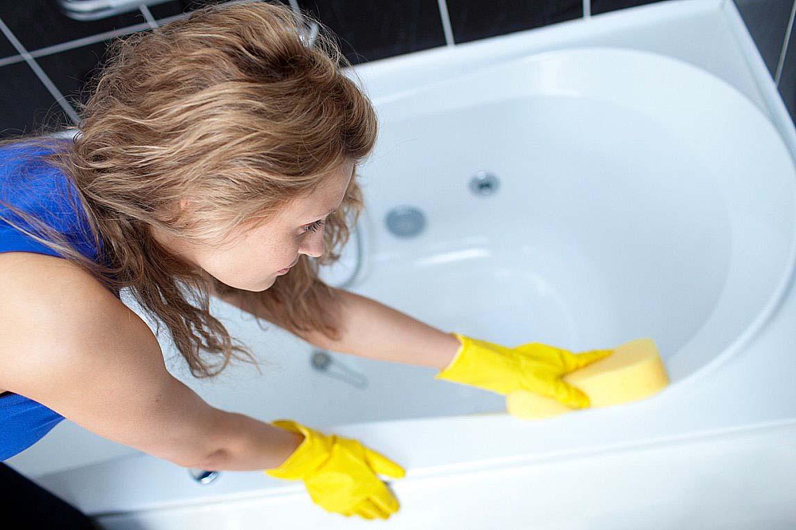 Как почистить засоренные трубы содой и уксусом