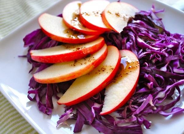 Легкий способ потерять вес с яблоками и капустой